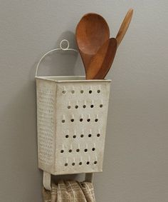 Park Designs Grater Wall Utensil Holder Home Design – DIY home decor – rustic home diy Diy Recycle, Recycling, Home Projects, Home Crafts, Diy Casa, Primitive Kitchen, Country Primitive, Primitive Decor, Rustic Kitchen