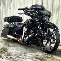 "Credit to @harleydavidsongermany ===================== Follow & Tag ""HD Tourers and Baggers"" on Instagram Facebook Twitter & across the Web. ===================== #hdtourersandbaggers ===================== #instamotogallery #instamoto #motorcycles #harleydavidson #roadkingclassic #roadking #roadglide #streetglide #softail #showoffmyharley #harleysofinstagram #harleylife #bikelife #bikersofinstagra #bikestagram #motorcyclelife #harleyriders #customharley #throttlezone #harleydavidsonnation…"