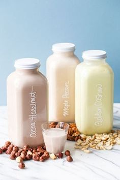 Nut Milk + Fun Flavor Ideas You can make easy Homemade Nut Milk with just about any kind of nut, plus fun flavor variations!You can make easy Homemade Nut Milk with just about any kind of nut, plus fun flavor variations! Milk Recipes, Dessert Recipes, Easy Desserts, Cafe Rico, Nut Milk Bag, Cocoa Cinnamon, Flavored Milk, Vegetable Drinks, Healthy Eating Tips