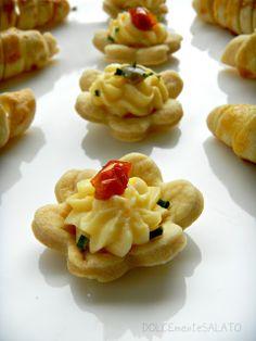 DOLCEmente SALATO: Bocconcini di brisè con crema pasticcera salata