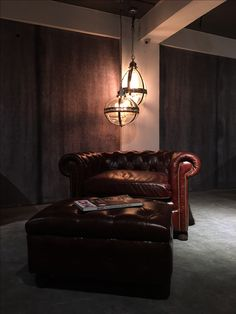 A chesterfield has always been known by its masculine look. Since the very beginning, we have associated it with being a tough, classic piece of furniture that catches the eye of aristocrats, with a cigar in one hand and a glass of finest whiskey in the other. http://www.gulmoharlane.com/products/chesterfield-leather-collection-new-1 http://www.gulmoharlane.com/products/chesterfield-ottoman-in-leather-2 #GulmoharLane   #ChesterfieldSofa   #Ottoman   #Handcrafted   #Furniture   #Leather