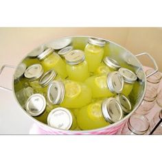 lemonade in mason jars