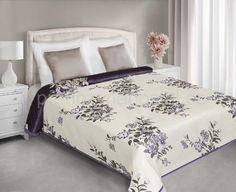 Fialově krémový přehoz na postel oboustranný s květinami