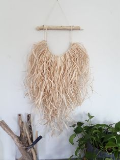 Raffia grass and driftwood wall hanging with a beach boho natural look. Makes a unique and stylish feature to your room. Approx 17 inch wide by 32 inch long. (Driftwood piece Custom orders are welcome if you have a size or style in mind! Macrame Wall Hanging Patterns, Woven Wall Hanging, Raffia Crafts, Deco Boheme Chic, Creation Deco, Macrame Projects, Diy Décoration, Blog Deco, Boho Diy