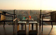 17 Restaurant & Bar (Hotel Dom Henrique - Downtown)  Bolhão Street, 223