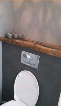 Mooie kleur muur en houten plank