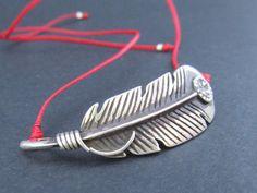 Silver feather bracelet - Friendship bracelet -  Silver feather - Boho jewelry - Stacking bracelet - Feather jewelry - Women's bracelet