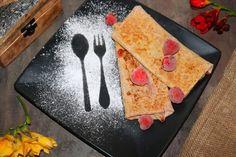 Galletes - francouzské pohankové palačinky s jahodovou náplní | Žijeme homemade Plastic Cutting Board, Homemade, Hand Made, Diy