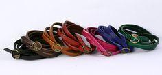 Bracelet cuir mince. Porter en tant que ceinture skinny ou bracelet ou montre attacher ensemble. Cuir véritable avec boucle en métal bronze....