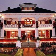 163 Best Christmas Homes (Exteriors) images in 2020 ...