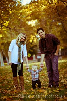 Photo idea for Fall pictures with baby. Just gotta bring in my girls and it would be perfect!
