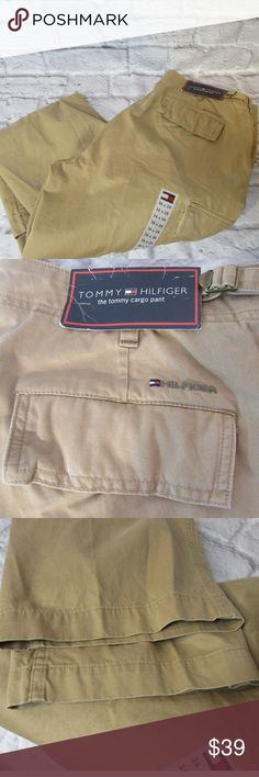 "Tommy Hilfiger W36 L29 Cargo Pants M57 EUC Please double-check measurements below for a proper fit.    THE FIT Size - 27 WAIST - Laying Flat - About - 19"" INSEAM - Laying Flat - About - 30"" RISE - Laying Flat - About - 11"" HIPS - Laying Flat - About - 22"" LEG OPENING - Laying Flat - About - 9.50""  THE DETAILS Flat Front  Classic Fit Khaki 100% Cotton    PLEASE FOLLOW MY CLOSET FOR GREAT NEW DEALS EVERYDAY! THANK YOU FOR YOUR BUSINESS! Tommy Hilfiger Pants Cargo"