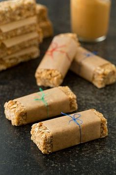 """""""Easy Chewy Peanut Butter Granola Bars"""", perfect for pre-and post workout. Def trying this. Wonder if you could add protein powder to it??"""