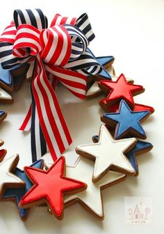 Cupcake cookies, fancy cookies, fourth of july food, of july Fourth Of July Food, 4th Of July Celebration, 4th Of July Party, July 4th, Patriotic Crafts, Patriotic Party, July Crafts, Holiday Crafts, Patriotic Wreath