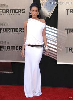 White Dress... So beautiful !