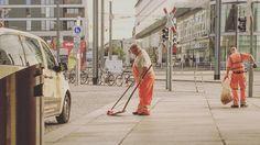 Stadtreinigung  #streetphoto #exploreyourcity #dresden #ig_dresden #thebestofdresden #sachsen #sogehtsaechsisch #heydresden #pragerstrasse #ilovedresden #picoftheday #work #saxony #dresdengermany #peoplephotography #ig_germany #ig_deutschland #instagram #instapic #instaphoto #instagood #people