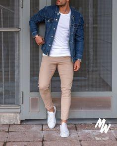 Very nice photo of our dear friend 👌🏽 Stylish Mens Outfits, Most Stylish Men, Man Dressing Style, Denim Jacket Men, Fashion Wear, Men's Casual Fashion, Trendy Mens Fashion, Latex Fashion, Gothic Fashion