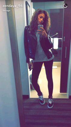 Zendaya is my icon Mode Zendaya, Zendaya Outfits, Zendaya Style, Cool Outfits, Casual Outfits, Fashion Outfits, Womens Fashion, Zendaya Maree Stoermer Coleman, Look 2018