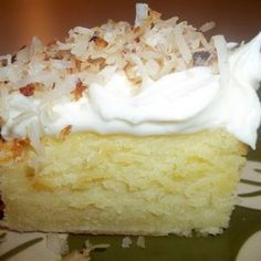 Coconut Topped / Cream Cheese Sheet Cake I like the dense texture, together with the creaminess of the cream cheese frosting, and the crunchiness of the toasted coconut. If you don't like dense cakes. Cupcakes, Cupcake Cakes, Comida Filipina, Just Desserts, Dessert Recipes, Frosting Recipes, Sheet Cake Recipes, Sheet Cakes, Think Food