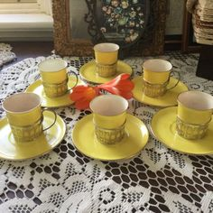 VIBRANT-SHELLY-COFFEE-CUPS-IN-STERLING-SILVER-HOLDERS-BIRMINGHAM-1926