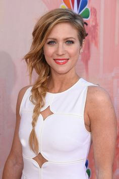Pin for Later: 10 Gorgeous Celebrity Beauty Looks to Inspire Your Spring Makeover Brittany Snow Brittany's beach-babe side braid had the perfect amount of tousled texture on the red carpet of the 2015 iHeartRadio Music Awards.