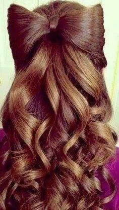 I love this bow-hairstyle. It looks great with the dark shade of her hair and the waves add to the volume. Love Hair, Gorgeous Hair, Beautiful Braids, Amazing Hair, Dream Hair, Hair Dos, Pretty Hairstyles, Bow Hairstyles, Updos Hairstyle