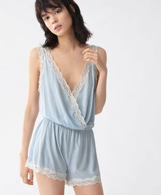 Check out the latest arrivals in women's lingerie at OYSHO online. Try our new underwear or lingerie sets. Spring Summer 2020 trends with just one click! Lingerie Azul, Blue Lingerie, Lingerie Set, Online Lingerie, Ropa Interior Boxers, New Underwear, Babydoll, Lace Jumpsuit, Luxury Lingerie