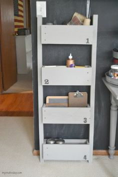 Pack small items into a wall organizer  Hang an organizer on your wall to stow away small items - make this one with a pallet. (Lindsay @My Creative Days)