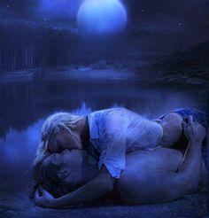 besos bajo la luna