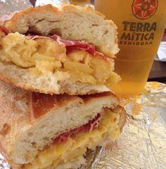 Moercoles de Bokata de #tortilla de patata y #jamón ibérico  ...