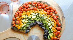 Rainbow Pizza!!  Love rainbow vegetables!
