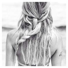 messy hair♡
