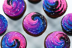 Galaxy cupcakes by Rosanna Pansino . Galaxy cupcakes by Rosanna Pansino . Galaxy Cake, Diy Galaxy, Galaxie Cupcakes, Cupcake Recipes, Cupcake Cakes, Nerdy Nummies Cookbook, Space Cupcakes, Galaxy Theme, Moon Party