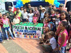 """Policía Risaralda realiza la Campaña """"Cambia Alimento Por Armamento"""" En el corregimiento Santa Ana, Municipio de Guatica."""