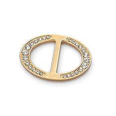 Ozdobná kovová pracka na hodvábne šatky a šály. Pracka obsahuje trblietavé kryštály vysokej kvality. Kovová ozdobná pracka/spona kryštál na šatku je dekoračná ozdoba, ktorá očarí svojim briliantovým leskom. Šatka so šperkom sa stane ozdobou Vášho oblečenia! Pracka na šatku je fantastický módny doplnok. Každej šatke alebo šálu dodá šmrnc a rafinovanosť.