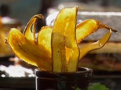 Plaintain Chips recipe from Tyler Florence via Food Network Tyler Florence, Florence Food, Puerto Rican Cuisine, Puerto Rican Recipes, Cuban Recipes, Plantain Chips Recipe, Food Network Recipes, Cooking Recipes, Veggies