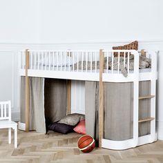 Tolles Hochbett für die Kleinsten, das auch Erwachsene mit seinem guten Design überzeugt bei Engel & Bengel in Haidhausen | creme münchen