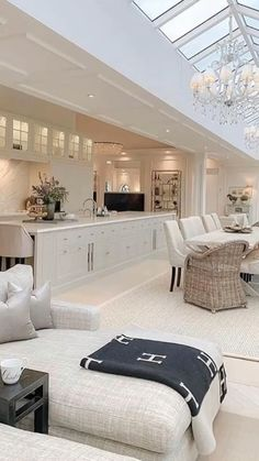 Interior Design Inspiration for everyone. Modern Stylish Interiors and Accessories for luxury homes. Luxury Homes Interior, Home Interior Design, Modern Mansion Interior, Dream House Interior, Beautiful Houses Interior, Interior Colors, Interior Livingroom, Interior Ideas, Interior Inspiration