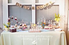 super cute hot air balloon baby shower! You never see hot air balloon themes and I LOVE it!