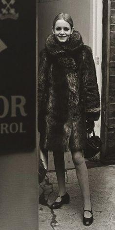 Twiggy photo Lewis Morley 1965