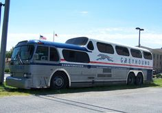 My farther in law had one of these, for his motorhome bus Classic Trucks, Classic Cars, Bus Restaurant, Converted Bus, Rv Bus, Train Truck, Bus Coach, Bus Conversion, Bus Station