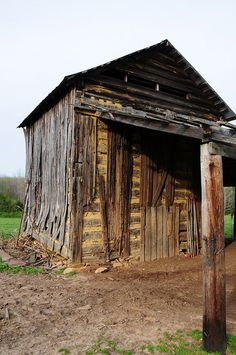 Old tobacco barn in North Carolina. Photo By: Ritakens