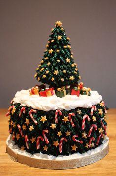 Beautifully detailed Christmas cake
