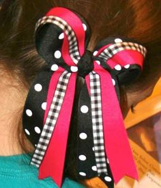 Big loopy cheer bows are as easy to make as they are fun to wear.  #HH-HairBows