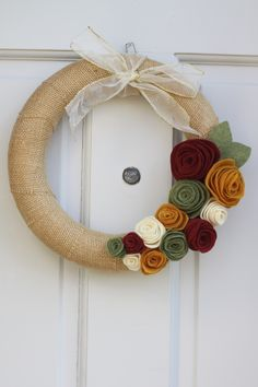 burlap and felt wreath - make it so the flowers are removable and then make a flower set for each season
