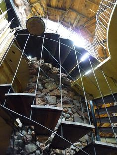 Bruce Goff.  Bavinger House: Spiraling stairs