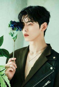 Blue flame aesthetic⚡️⚡️ my bby looks so handsome💖✨ Jiyong, Kim Myungjun, Park Bogum, F4 Boys Over Flowers, Cha Eunwoo Astro, Astro Wallpaper, Lee Dong Min, Handsome Korean Actors, Drame