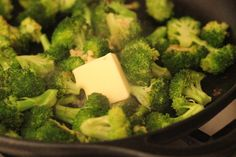 Broccoli Recipes Sauteed, Frozen Broccoli Recipes, Best Broccoli Recipe, Sauce For Broccoli, Butter Broccoli, Garlic Broccoli, Garlic Recipes, Veggie Recipes, Food Dinners