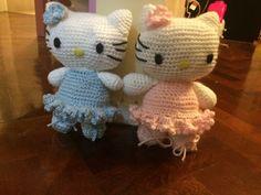 Kitty al crochet. Bailarina. Patron de Tejiendo Peru. Hello Kitty, Fictional Characters, Art, Templates, Pink, Plushies, Ballet Flats, Blue Nails, Tejidos