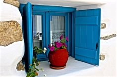 Lovely window Mediterranean Style, North Africa, Greece Travel, Greek Islands, Beautiful Images, Blue And White, Windows, Sun, Summer
